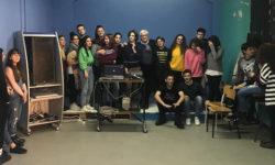 Armando Lostaglio con gli alunni del Liceo CLassico